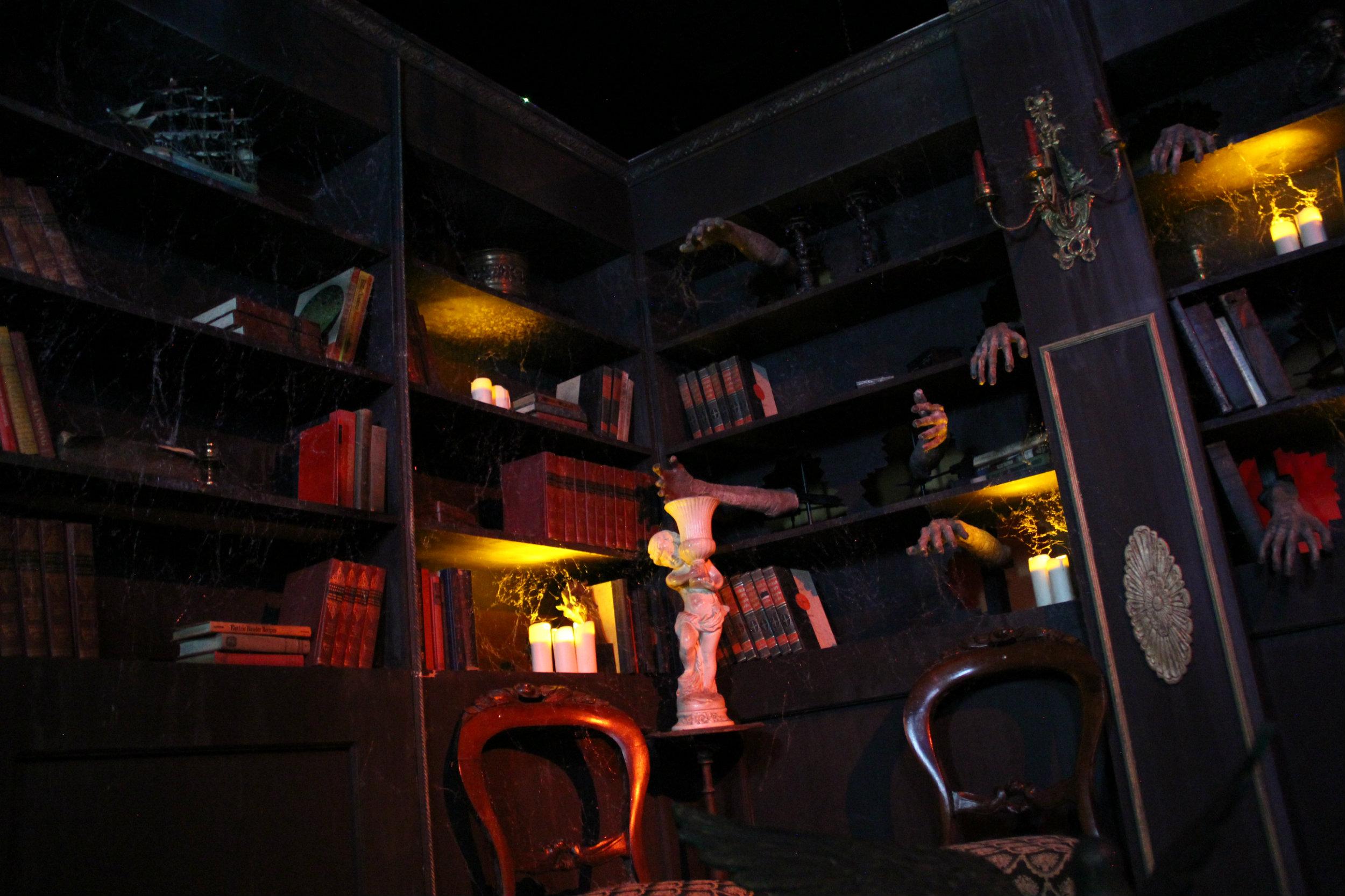 thai-library3.jpg